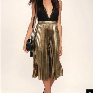 NWT Lulu's Gold Metallic Midi Skirt - Small